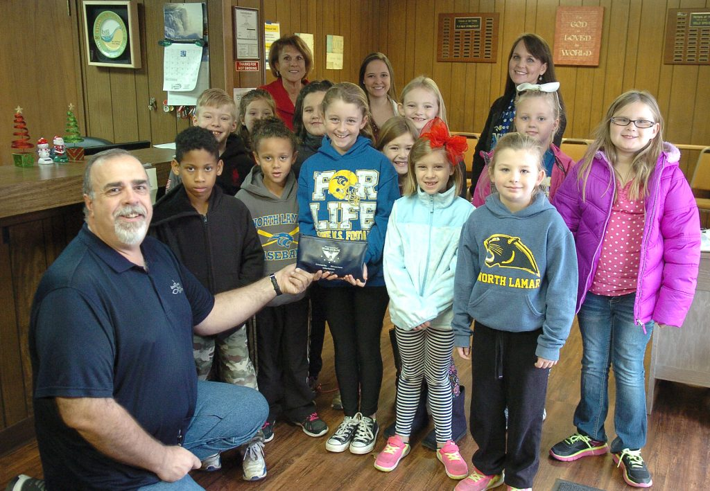 everett-bakers-group-at-downtown-food-pantry