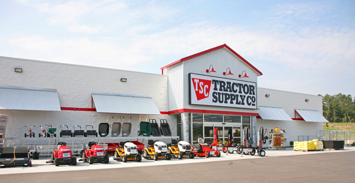 Tractor Supply Hours : Paris tractor supply company store hosting farmers market